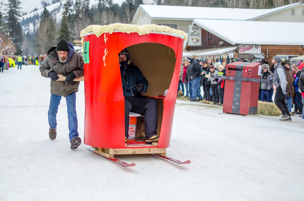 outhouse races-1-2