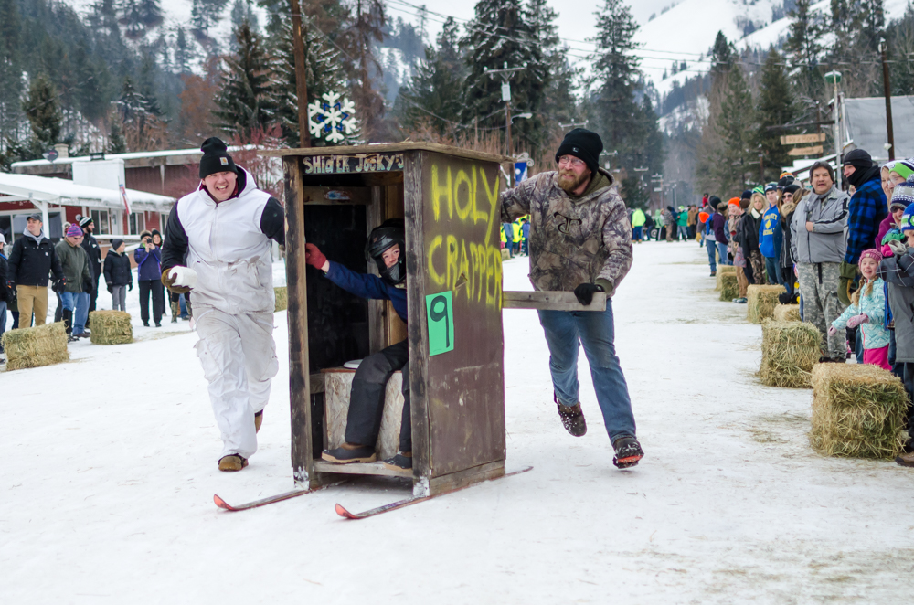 outhouse races-11